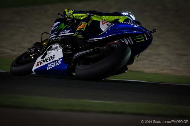 Valentino-Rossi-LED-Helmet-Qatar-Scott-Jones-02