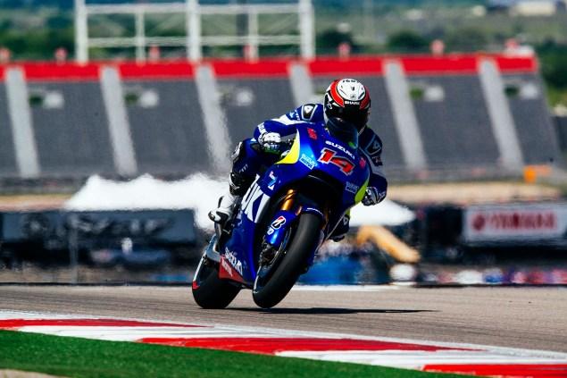 Kevin-Schwantz-Randy-de-Puniet-Suzuki-XRH-1-MotoGP-COTA-test-05
