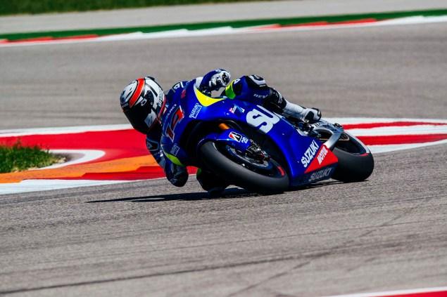 Kevin-Schwantz-Randy-de-Puniet-Suzuki-XRH-1-MotoGP-COTA-test-10
