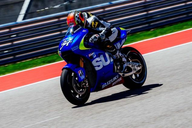 Kevin-Schwantz-Randy-de-Puniet-Suzuki-XRH-1-MotoGP-COTA-test-11