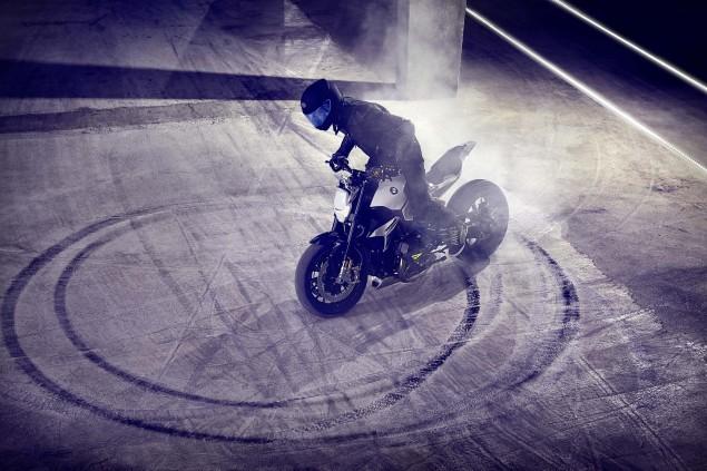 BMW-Concept-Roadster-studio-07