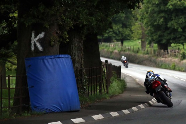 Lezayre-Isle-of-Man-TT-2014-Richard-Mushet-06
