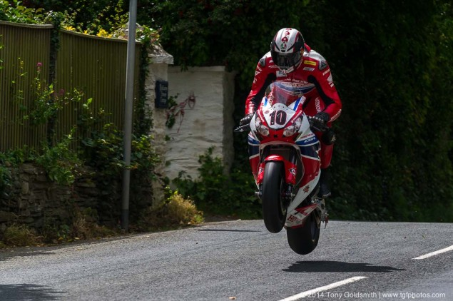 2014-Isle-of-Man-TT-Ballacrye-Tony-Goldsmith-04