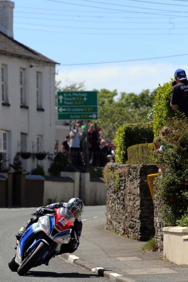 2014-Isle-of-Man-TT-Ballaugh-Richard-Mushet08