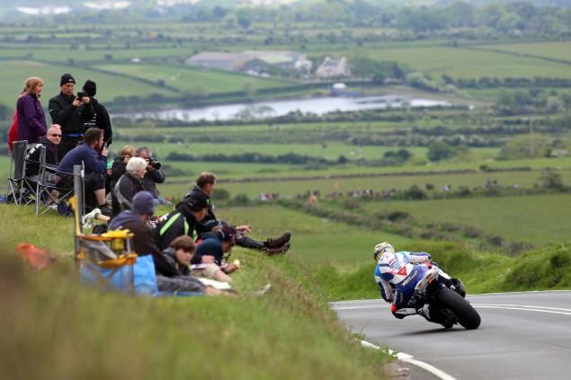 2014-Isle-of-Man-TT-Kates-Cottage-Richard-Mushet-06