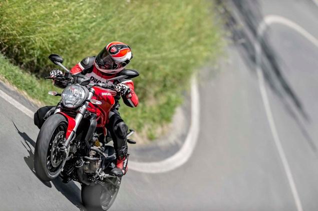 2015-Ducati-Monster-821-101