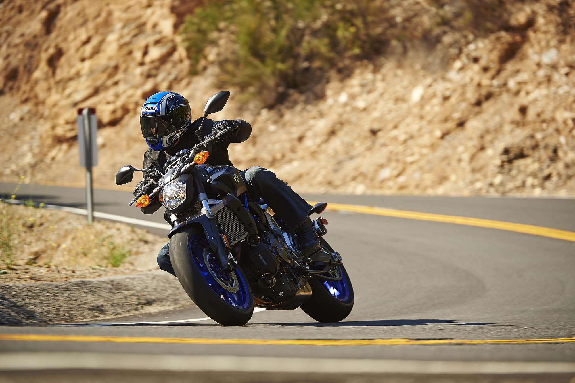 2015-2019 Yamaha FZ-07 / MT-07 / XSR700 M4 Carbon Fiber