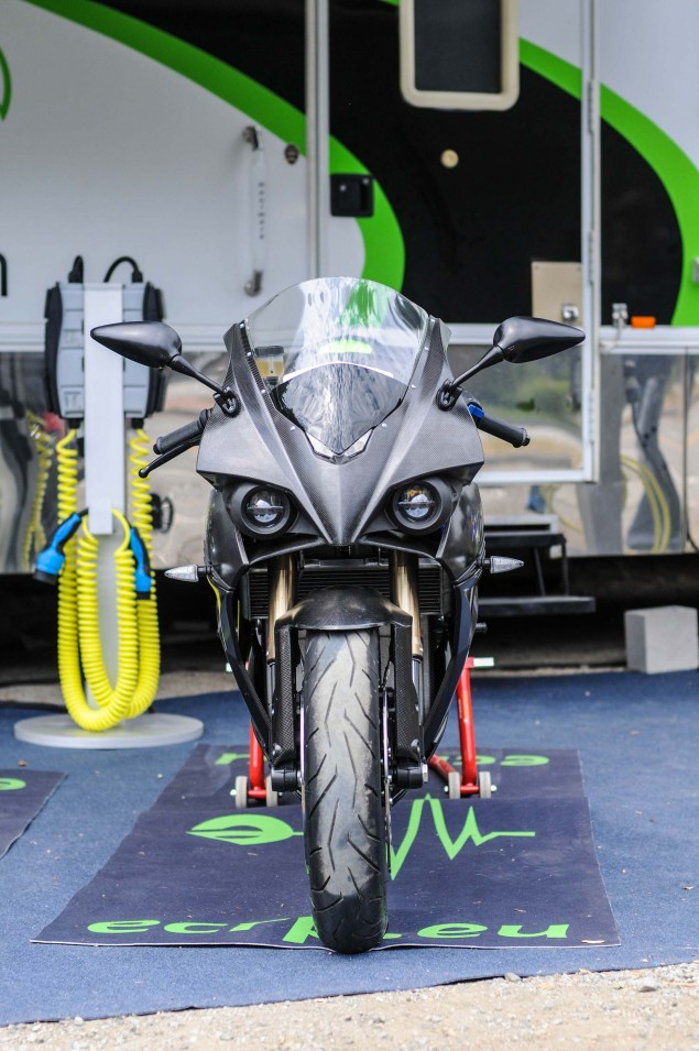 Energica-Ego-electric-superbike-up-close-17