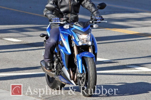2015-Suzuki-GSR1000-spy-photo-1