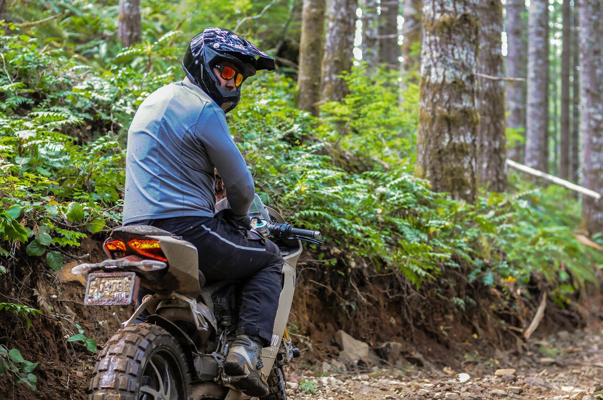 Ride Review Terracorsa A 195hp Quot Dirt Bike Quot Asphalt