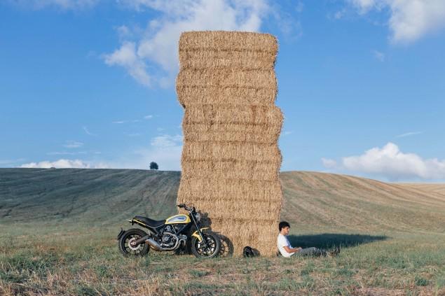 2015-Ducati-Scrambler-action-09
