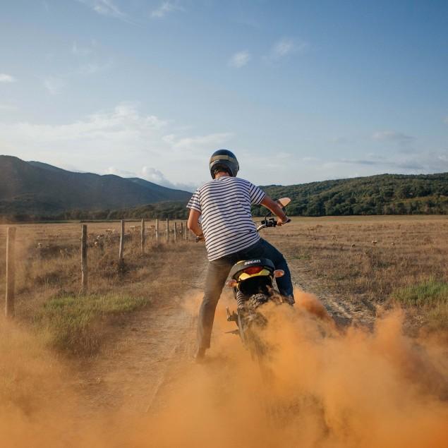 2015-Ducati-Scrambler-action-15