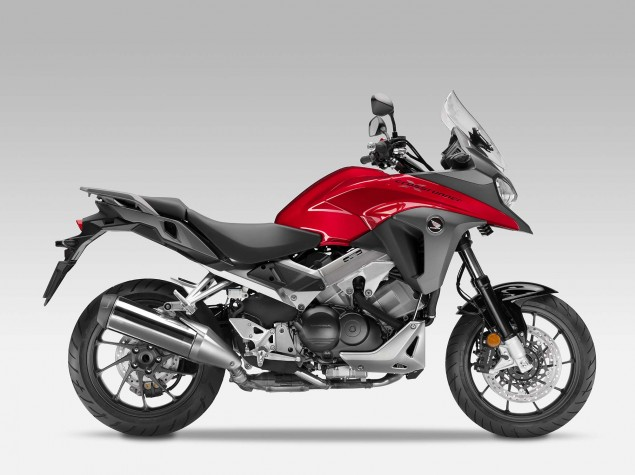 2015-Honda-VFR800X-Crossrunner-01