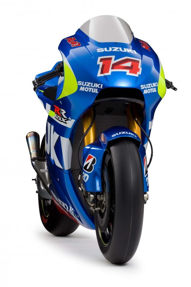 2015-Suzuki-GSX-RR-MotoGP-race-bike-03