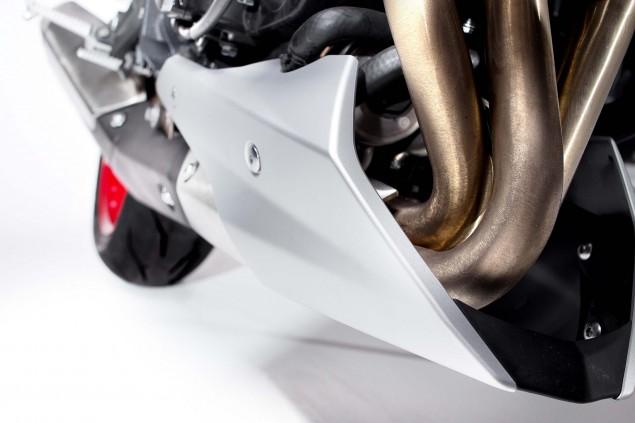 2015-Triumph-Street-Triple-RX-20