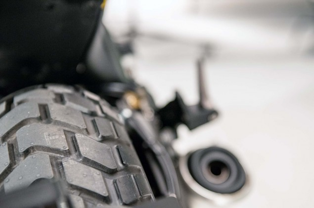 Ducati-Scrambler-up-close-22