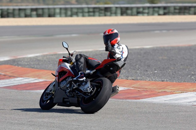 2015-BMW-S1000RR-action-24