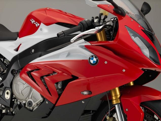2015-BMW-S1000RR-studio-05