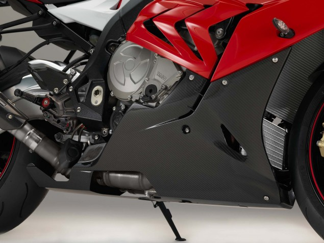 2015-BMW-S1000RR-studio-30