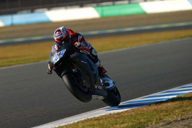 Casey-Stoner-2015-Honda-RC213V-Motegi-Test-05