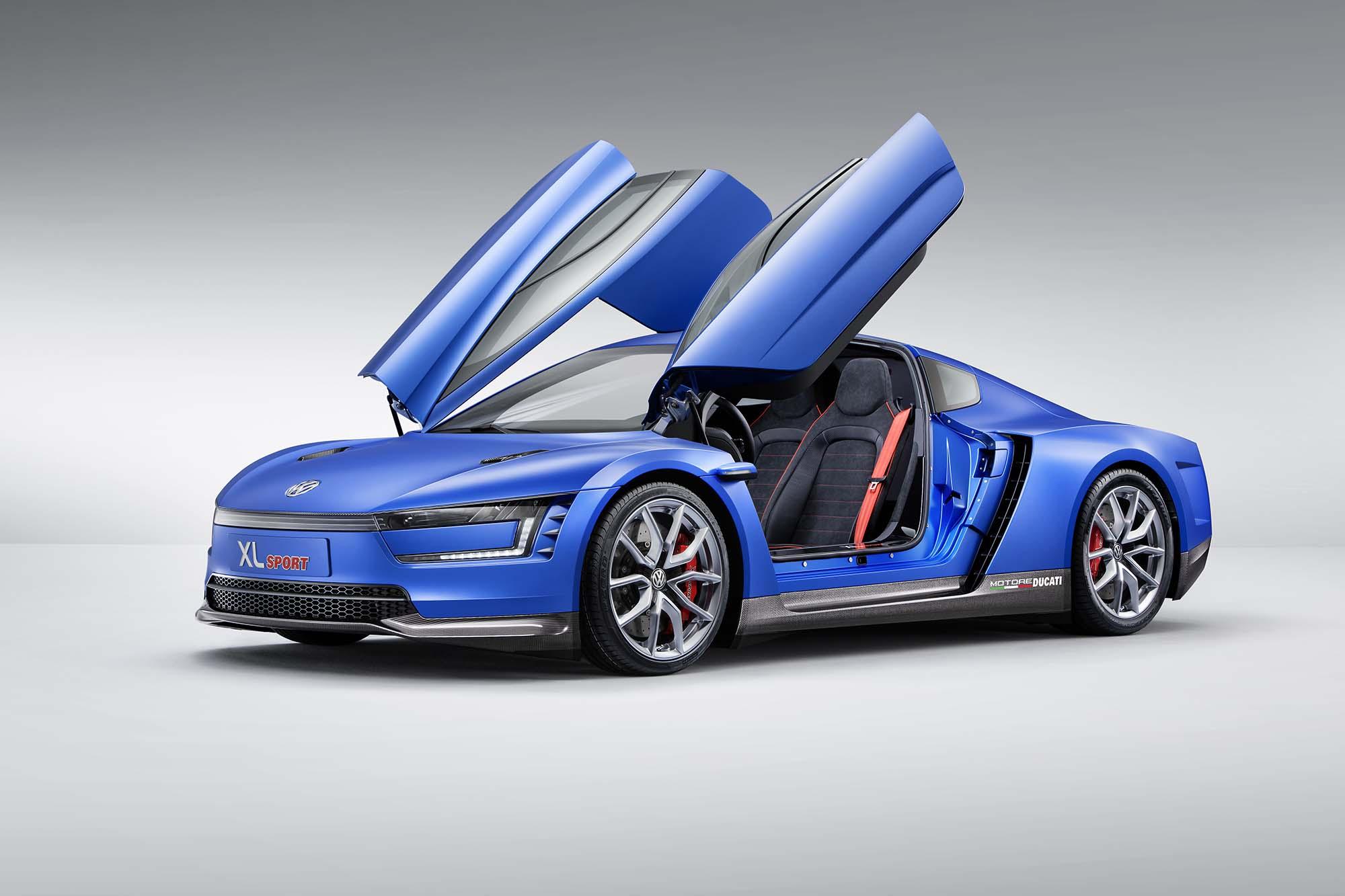 Volkswagen XL Sport - A Ducati Superleggera Powered Car - Asphalt & Rubber