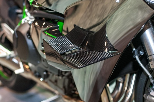 kawasaki-ninja-h2r-up-close-16