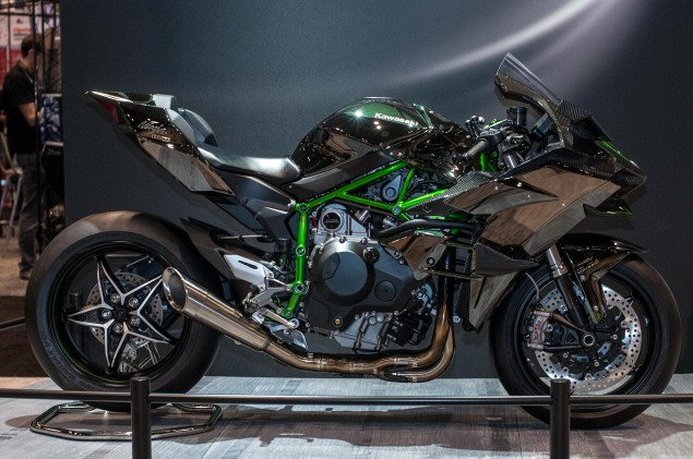 kawasaki-ninja-h2r-up-close-18