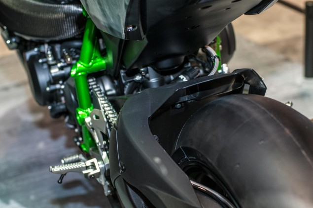 kawasaki-ninja-h2r-up-close-7