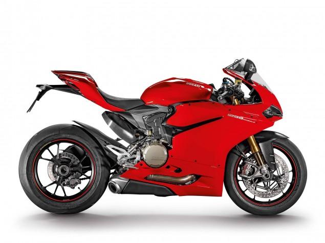 2015-Ducati-1299-Panigale-S-10
