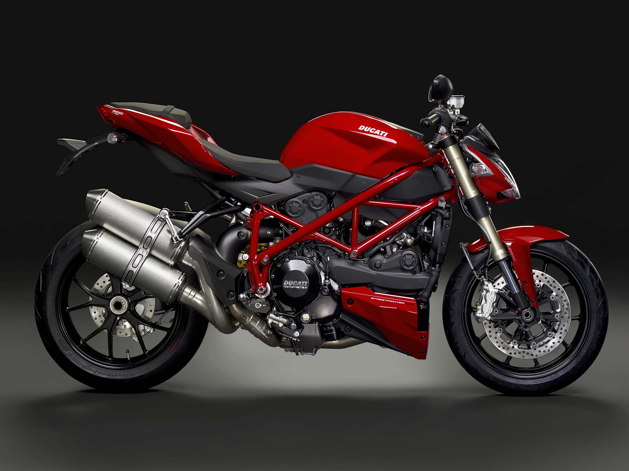 the ducati streetfighter 848 is spared the axe for 2015 asphalt rubber. Black Bedroom Furniture Sets. Home Design Ideas