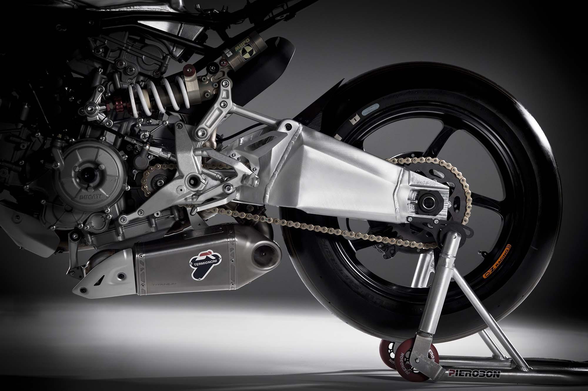 Pierobon-Ducati-899-Panigale-swingarm-12