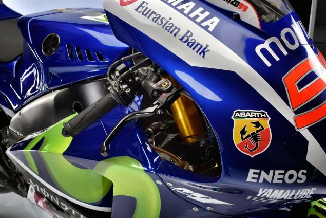 2015-Yamaha-YZR-M1-photos-37