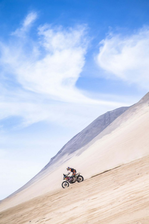 Marc-Coma-2015-Dakar-Rally-KTM-47