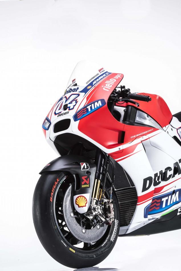 2015-Ducati-Desmosedici-GP15-MotoGP-Andrea-Iannone-06