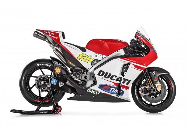 2015-Ducati-Desmosedici-GP15-MotoGP-Andrea-Iannone-08