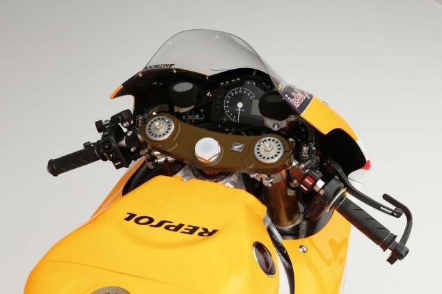 2015-Honda-RC213V-Dani-Pedrosa-HRC-huge-09