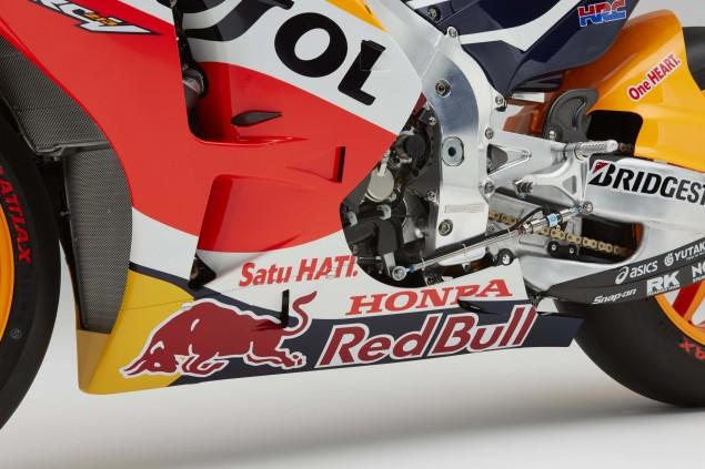 2015-Honda-RC213V-Marc-Marquez-HRC-huge-27