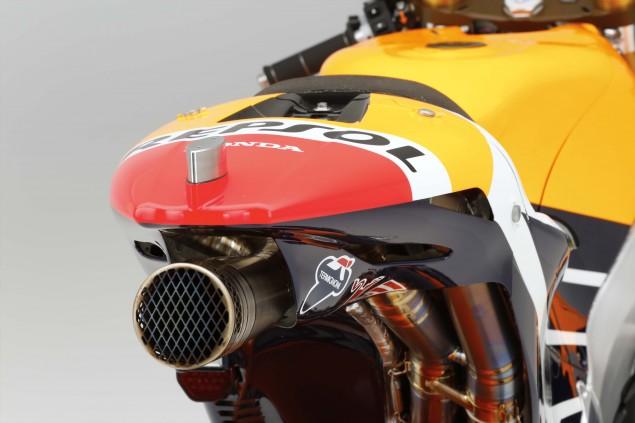 2015-Honda-RC213V-Marc-Marquez-HRC-huge-36