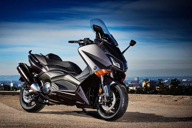2015-Yamaha-TMAX-23