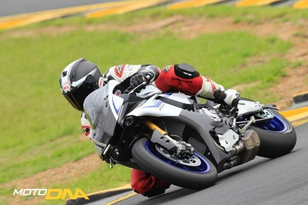 2015-Yamaha-YZF-R1-Mark-MacVeigh