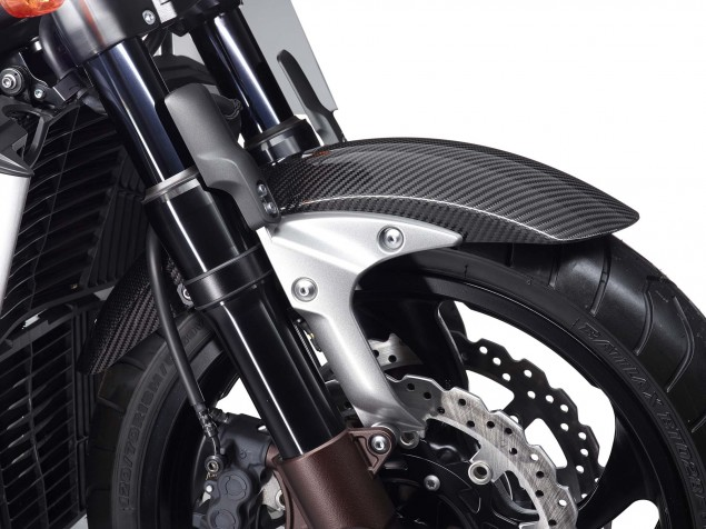 Yamaha-VMAX-Carbon-details-08