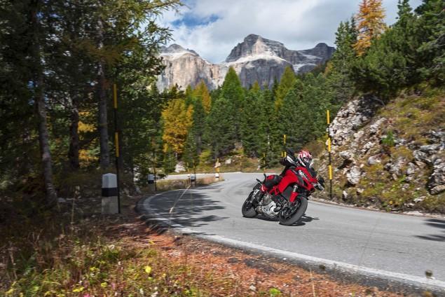 2015-Ducati-Multistrada-1200-S-action10