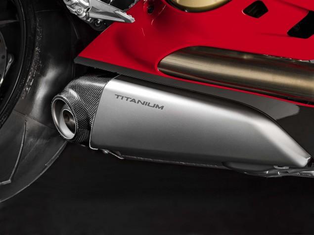 2015-Ducati-Panigale-R-34