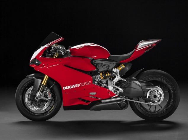 2015-Ducati-Panigale-R-38