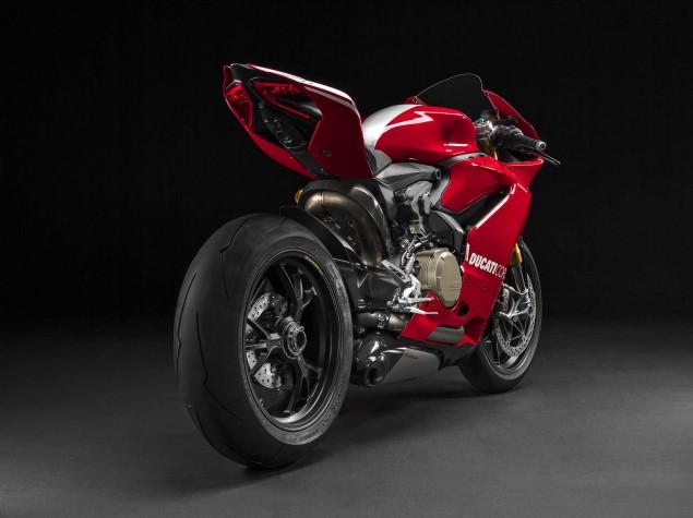 2015-Ducati-Panigale-R-39