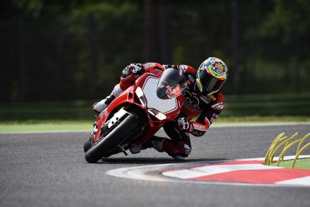 2015-Ducati-Panigale-R-Chaz-Davies-03