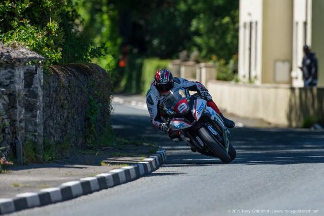 Ian-Hutchinson-Superstock-Race-Isle-of-Man-TT-Tony-Goldsmith-1645