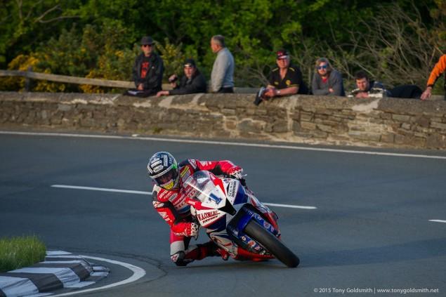 Thursday-Practice-Isle-of-Man-TT-Tony-Goldsmith-1179