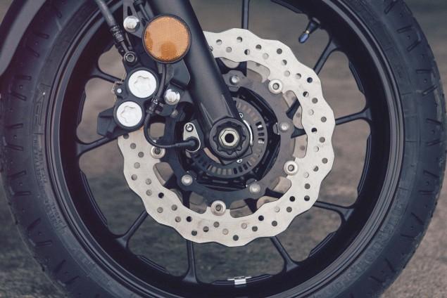 2016-Yamaha-XSR700-Details-06