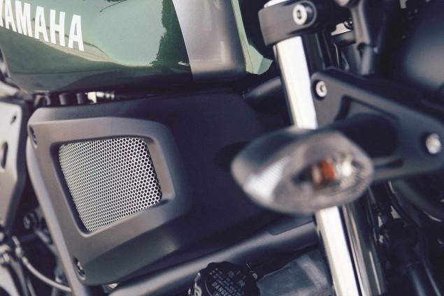 2016-Yamaha-XSR700-Details-14